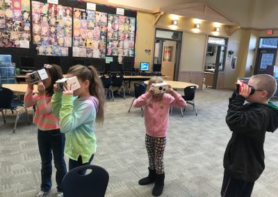 Questioning and Discussions with VR Goggles